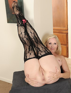 Amateur exhibitionist wives