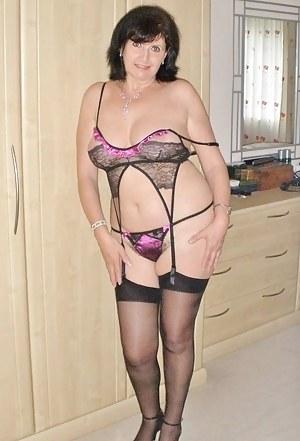 Mom in lingerie porn