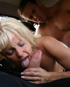 Moms Threesome Porn Pictures
