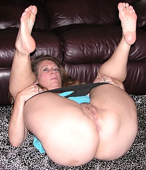 Moms Foot Fetish Porn Pictures