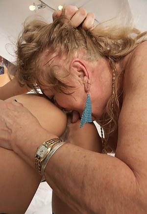 Moms Lezdom Porn Pictures