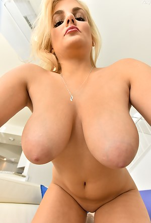 Moms Nipples Porn Pictures